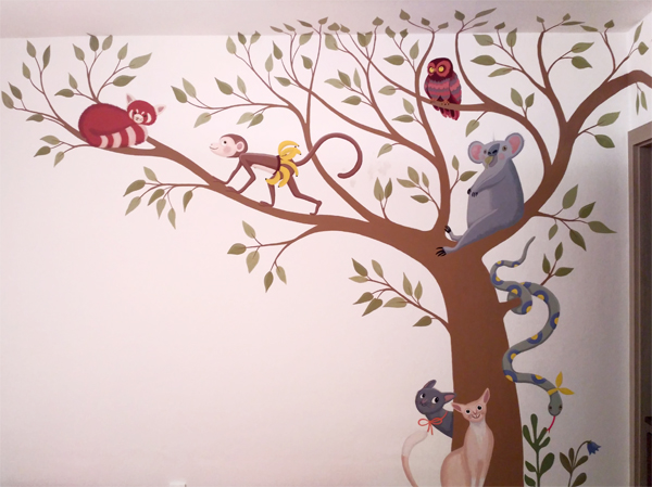 Tree with animals wallpainting