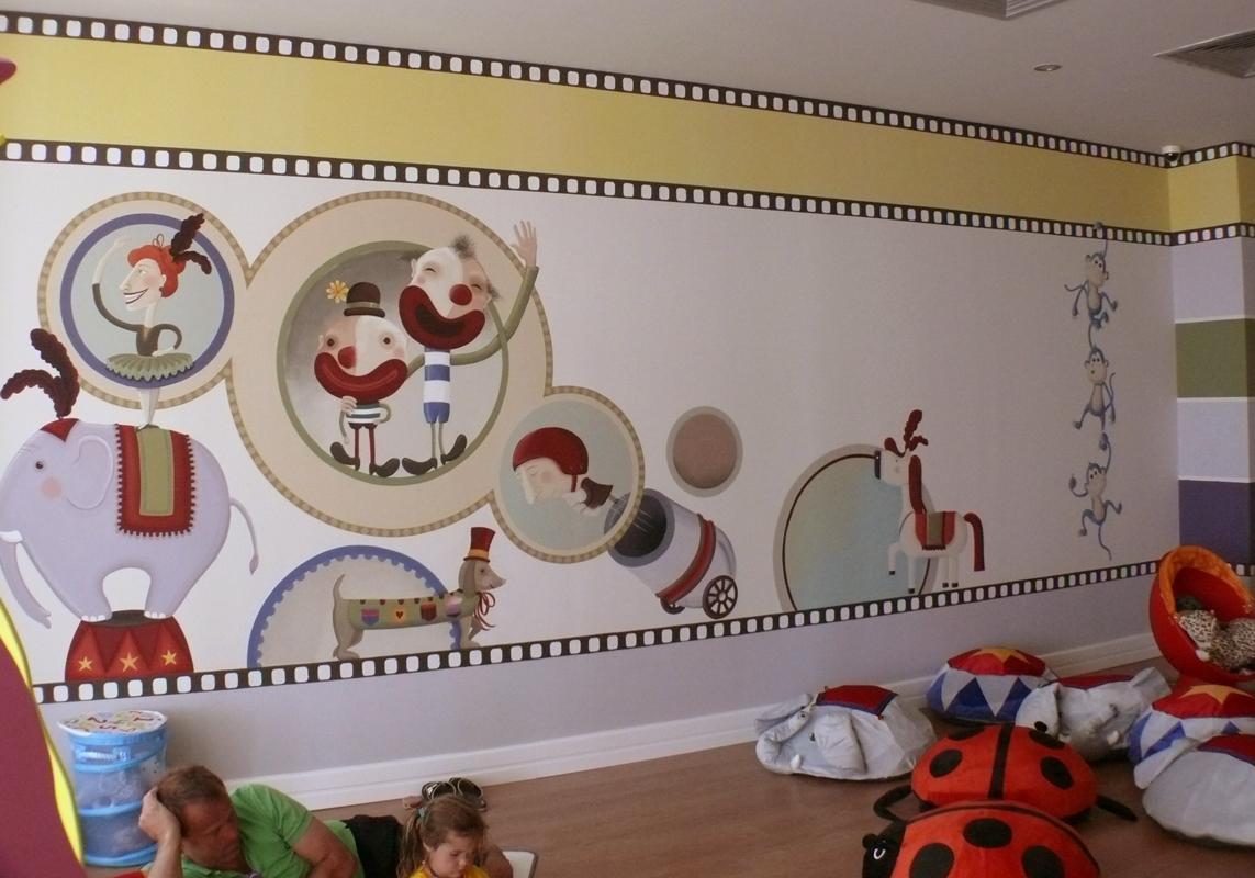 kids club_cinema room_wall painting 8x3m