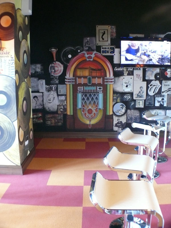 retro caffee_wall painting+collage_4x2,5 m