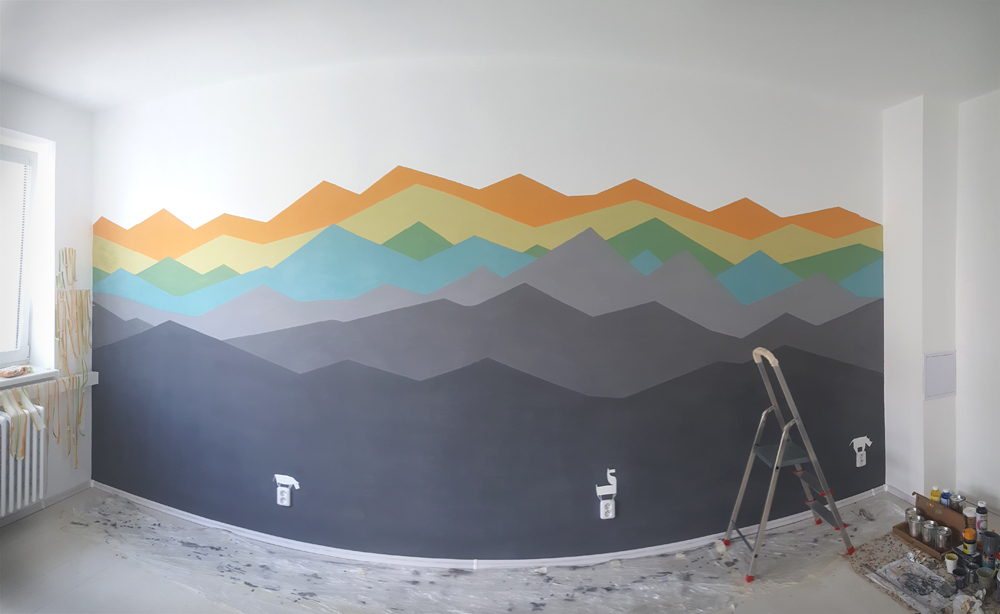 wallpainting_mountains with animal sockets